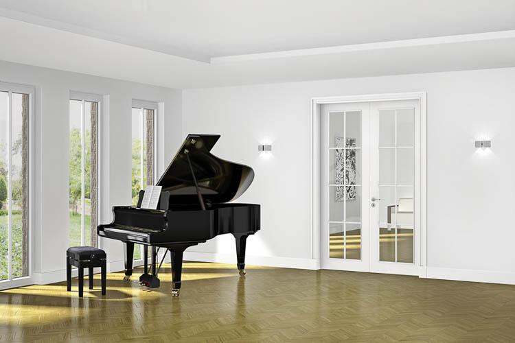 Stiltür mit Glas und Klavier