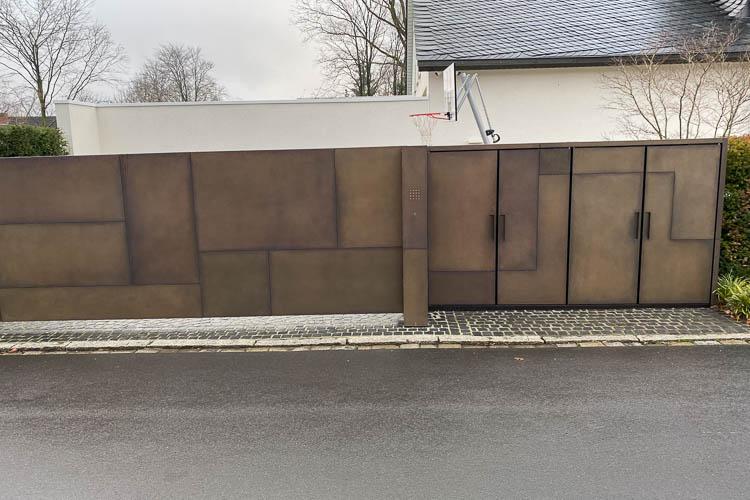Drehtüren mit Muldengriffen zu Müllboxen